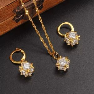 Jewelry - Gold Color Glass Crystal Pendant